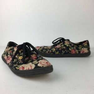 Mossimo Floral Lace up sneakers